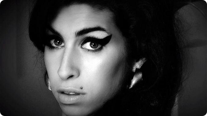 Review Amy